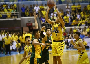 �Co-MVP� Ferrer shines bright for UST, shows way to Game 3