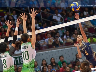 UAAP 78 WV: Mary Baron blocks Jaja Santiago's spike!